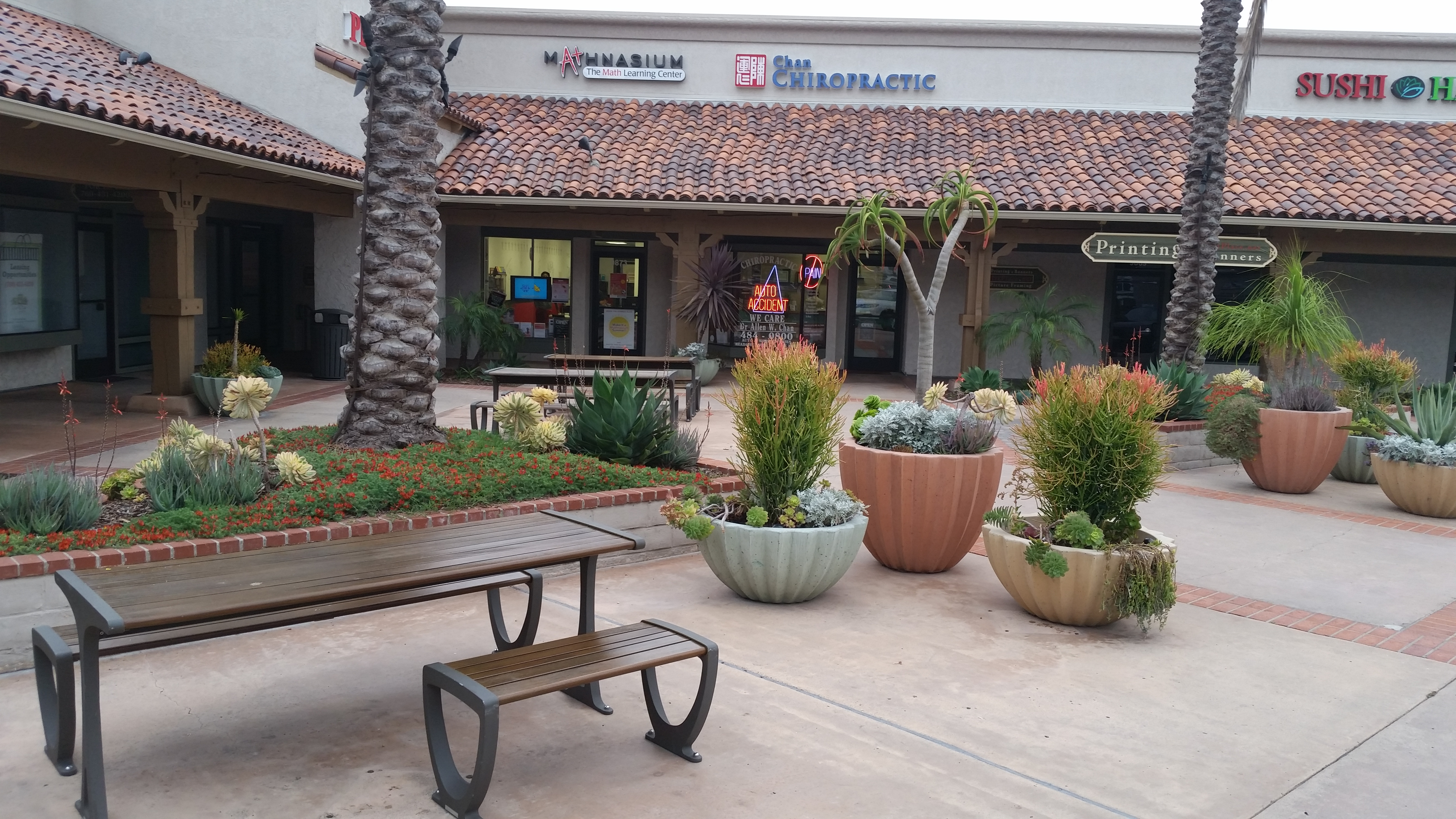 This U0027Water Smartu0027 Landscape Renovation Eliminated Existing Turf And Added  A Punch Of Color To Keep Shoppers Coming Back!